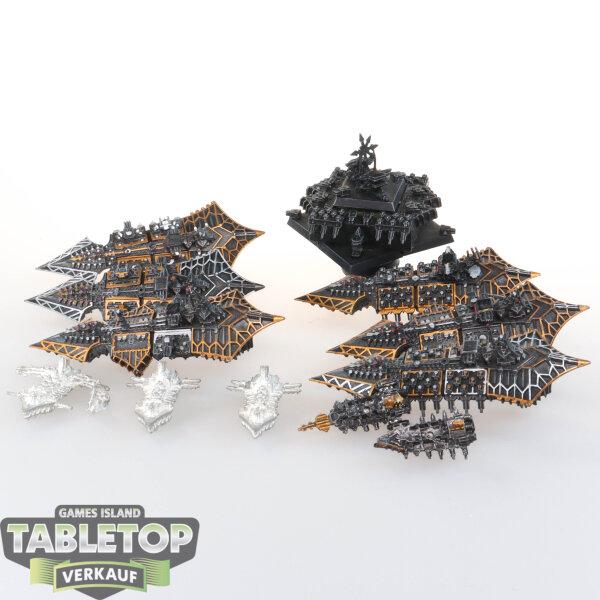 Raumflotte Gothic - Chaos Flotte - teilweise bemalt