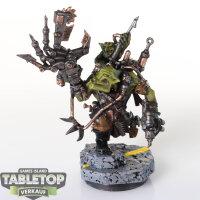 Orks - Ork Painboy - gut bemalt
