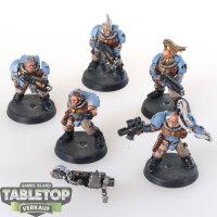 Space Wolves - 5 Scouts - gut bemalt