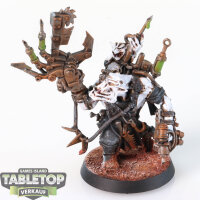 Orks - Painboy - gut bemalt