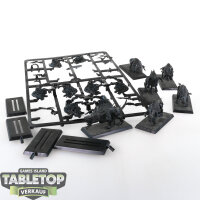 Beasts of Chaos - 10 Chaos Warhounds - teilweise gebaut -...