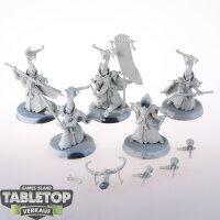 Lumineth Realm Lords - 5 Alarith Stoneguard - grundiert